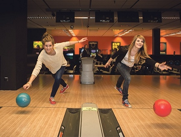 bowling-alger-rolling-ball