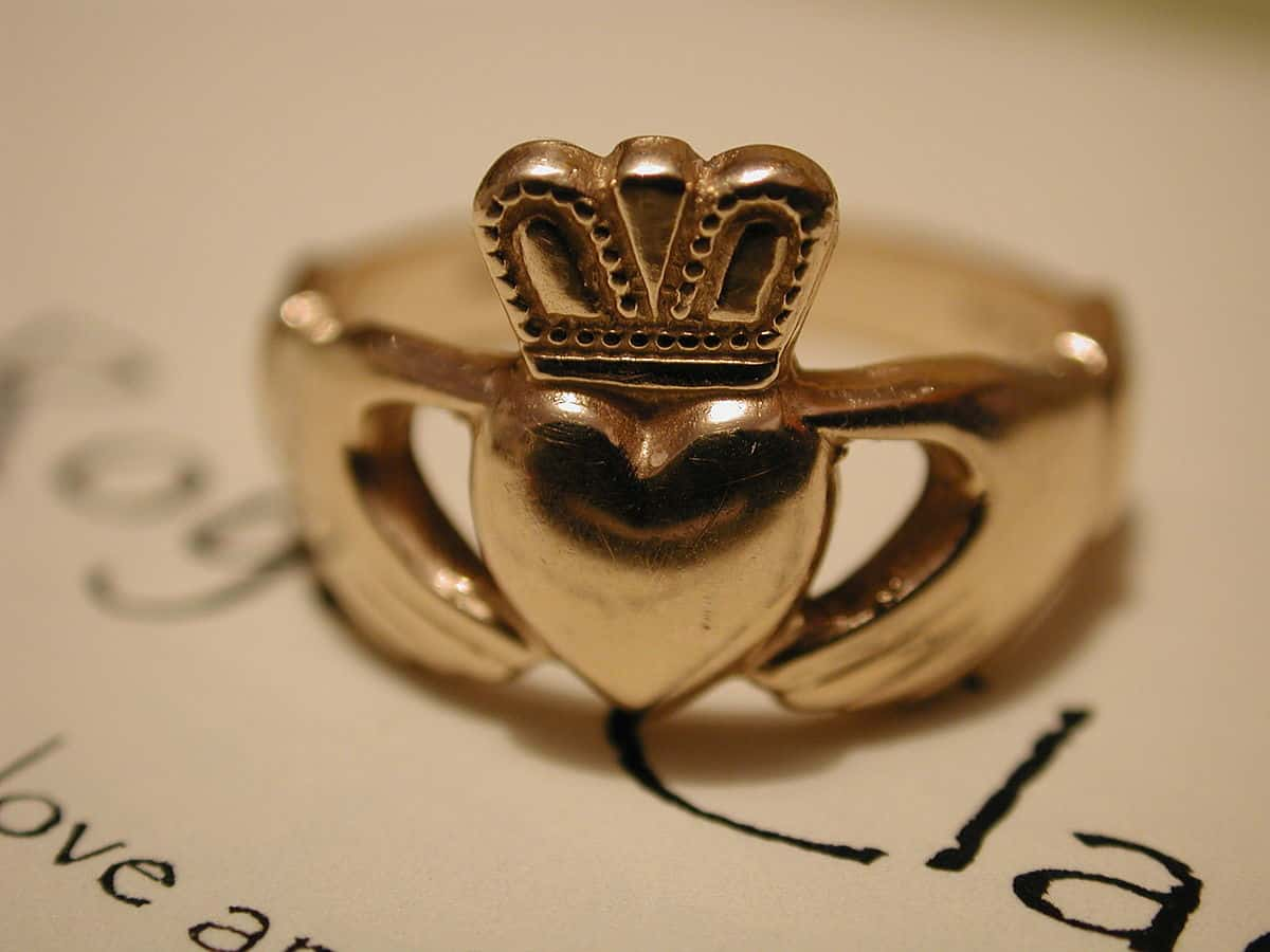 Claddagh ring alger